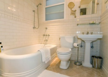 Bathroom design by EM reDesign